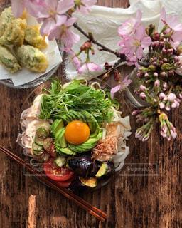 春野菜を使った冷やしうどんの写真・画像素材[4355298]