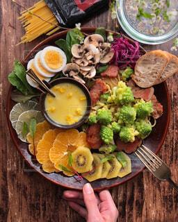 可愛い野菜を使ったワンプレートの写真・画像素材[4355304]
