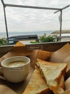 食べ物,カフェ,海,食事,白,トースト,スープ,サンドイッチ,グレー,ベージュ,ファストフード,クラムチャウダー