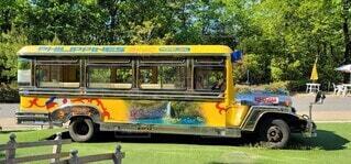 風景,屋外,黄色,道路,草,樹木,トラック,バス,レジャー,運転,車両,陸上車両