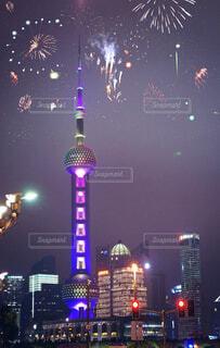 空,建物,夜,花火,タワー,都会,高層ビル,明るい,景観,点灯