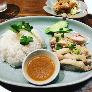 食べ物,ランチ,ディナー,テーブル,野菜,皿,サラダ,おかず,レストラン,ご飯,米,料理,女子会,白米,もち米,ジャスミン米