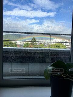 雨上がりの虹の写真・画像素材[4370991]