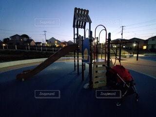 空,公園,屋外,夕暮れ,すべり台,遊び場