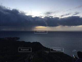 自然,風景,海,空,屋外,ビーチ,雲,夕暮れ,水面,海岸,山,朝焼け,くもり