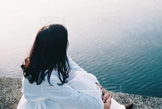 海,屋外,湖,水面,少女,人物,人,フィルムカメラ,エモい