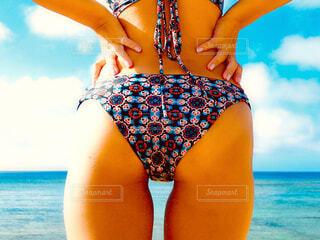 モデル,海,空,屋外,ビーチ,水着,水面,人物,人,お尻,リゾート,セクシー,ビキニ,下着,ランジェリー,ブラジャー,ヒップ,腹部,パンティー