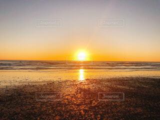 自然,風景,海,空,屋外,太陽,朝日,サーフィン,ビーチ,雲,砂浜,波,海辺,水面,海岸,地平線,日の出