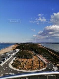 岬から眺めるツートーンカラーの海の写真・画像素材[4370931]