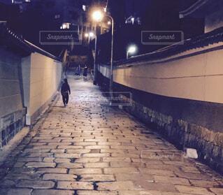 夜,歩道,地面,明るい,通り,街路灯