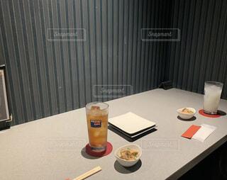 食べ物,屋内,テーブル,食器,ソフトド リンク