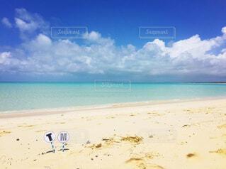 誰もいない海の写真・画像素材[4402122]