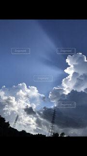 太陽と雲の写真・画像素材[4386841]
