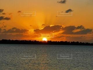 自然,風景,海,空,屋外,太陽,雲,夕暮れ,水面,海岸