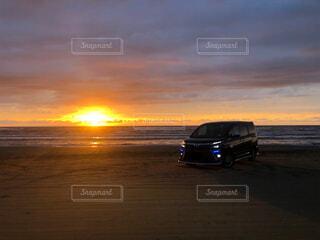自然,空,屋外,太陽,ビーチ,雲,砂浜,夕暮れ,車,サンセット,車両,ホイール,VOXY,ヴォクシー,陸上車両