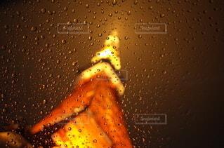雨の中の東京タワーの写真・画像素材[4377786]