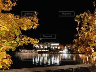 夜の阿寒湖の写真・画像素材[4404972]