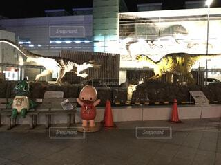 アート,ライトアップ,福井,恐竜,モニュメント,模型,漫画,福井駅,駅前広場