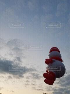 空,夕日,屋外,赤,雲,雪だるま,サンタ,空飛ぶ