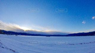 冬,雪,湖,朝日,夜明け,長野,諏訪湖,積雪,銀世界