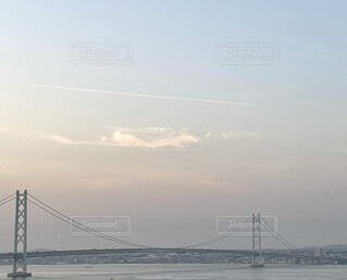 空,橋,屋外,雲,川,水面