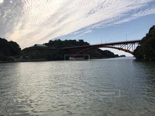 自然,風景,海,空,橋,屋外,雲,川,水面,山,景色,熊本,天草,アーチ橋