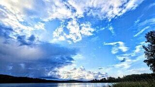 青空の雲の写真・画像素材[4706370]