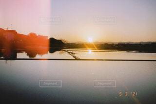 自然,風景,空,屋外,湖,雲,夕暮れ,水面,夕方,田んぼ,日の出,フィルム,帰り道