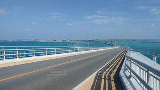宮古島ブルーと橋の写真・画像素材[903334]