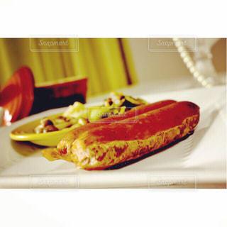 食べ物の皿のクローズアップの写真・画像素材[2499302]