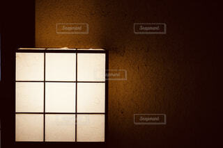 和室の間接照明の写真・画像素材[4576376]