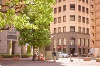 建物,屋外,車,窓,樹木,都会,通り,車両,陸上車両