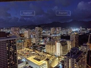 ハワイの街並みの夜景の写真・画像素材[4389355]