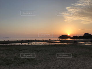 海,空,屋外,太陽,ビーチ,雲,夕焼け,夕暮れ,水面,夕方,ウユニ塩湖