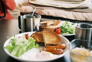 食べ物,食事,屋内,フード,食器,サラダ,菓子,ファストフード,飲食