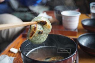 一杯の食べ物をクローズアップするの写真・画像素材[4413472]
