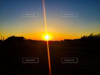 背景の夕日の写真・画像素材[962093]