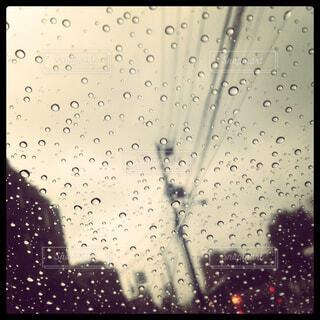 雨の向こう側の写真・画像素材[4402696]