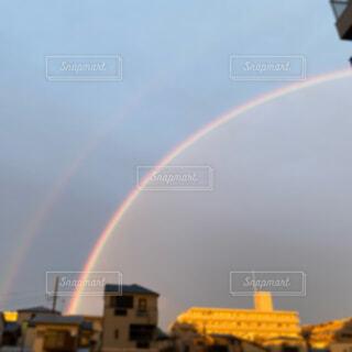 希望が出る虹の写真・画像素材[4406178]