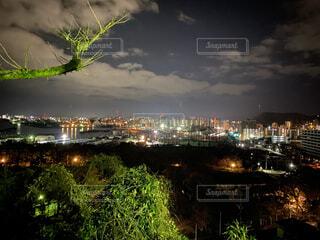 夜の明るさの写真・画像素材[4407430]