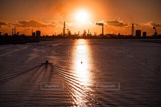 silhouette  of  factoryの写真・画像素材[4409585]