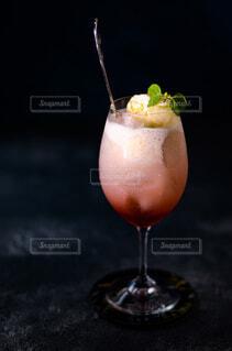 いちごクリームソーダの写真・画像素材[4769299]