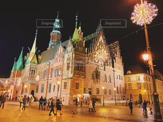 ポーランドのクリスマスライトアップの写真・画像素材[4556198]