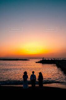 沈む夕日の写真・画像素材[4454214]