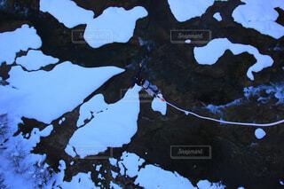雪の中のバンジージャンプの写真・画像素材[4430461]