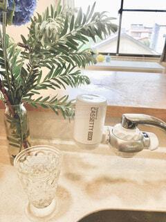 花瓶,テーブル,健康的,食器,朝,おいしい,美味しい水,磁器,浄水器,浄水,成分