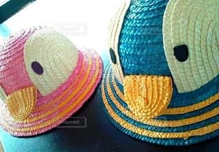 青い帽子をかぶったテディベアの写真・画像素材[4682534]