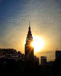 夕暮れの光芒の写真・画像素材[4449948]