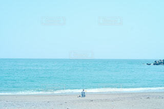 海の隣の砂浜の写真・画像素材[4454740]