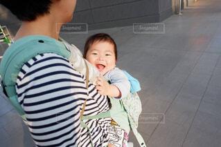 笑顔の赤ちゃんの写真・画像素材[4612071]